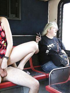 Aria Alexander отдалась незнакомцу прямо в общественном транспорте
