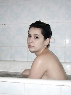 Армянская девушка голенькая в душе