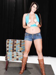Alison Tyler с большими буферами и толстой задницей
