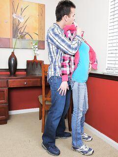 Джейк размял дырочку Alyssa Rose своим концом