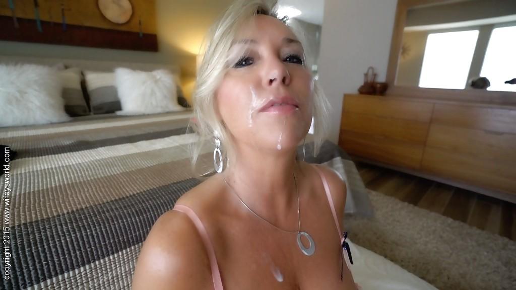 Sandra Otterson с удовольствием ест сперму возлюбленного