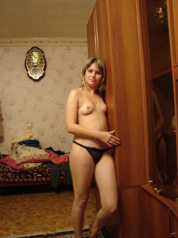 Сексуальная студентка оголилась для любимого